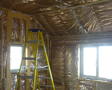 How does loft and roof insulation work?